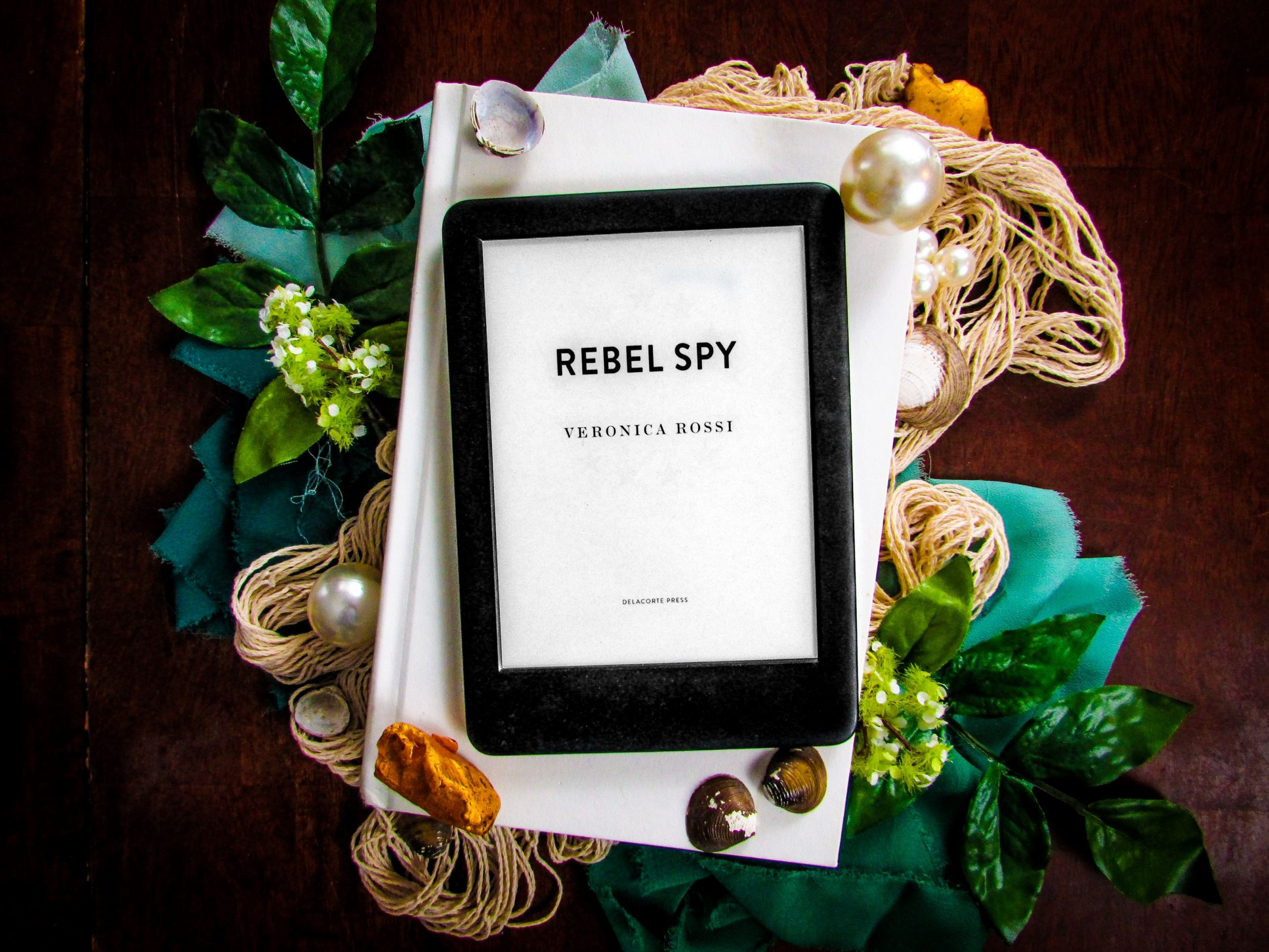 Read more about the article Rebel Spy by Veronica Rossi